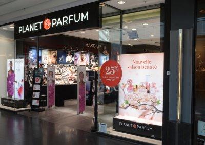 Planet Parfum (B). Image-Frame LED 1500x1200x45mm