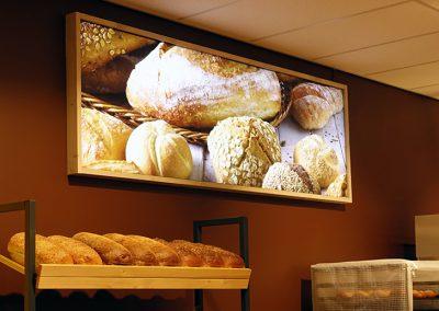Deen supermarkten. Image-Frame LED met houten lijst. 2200x700mm